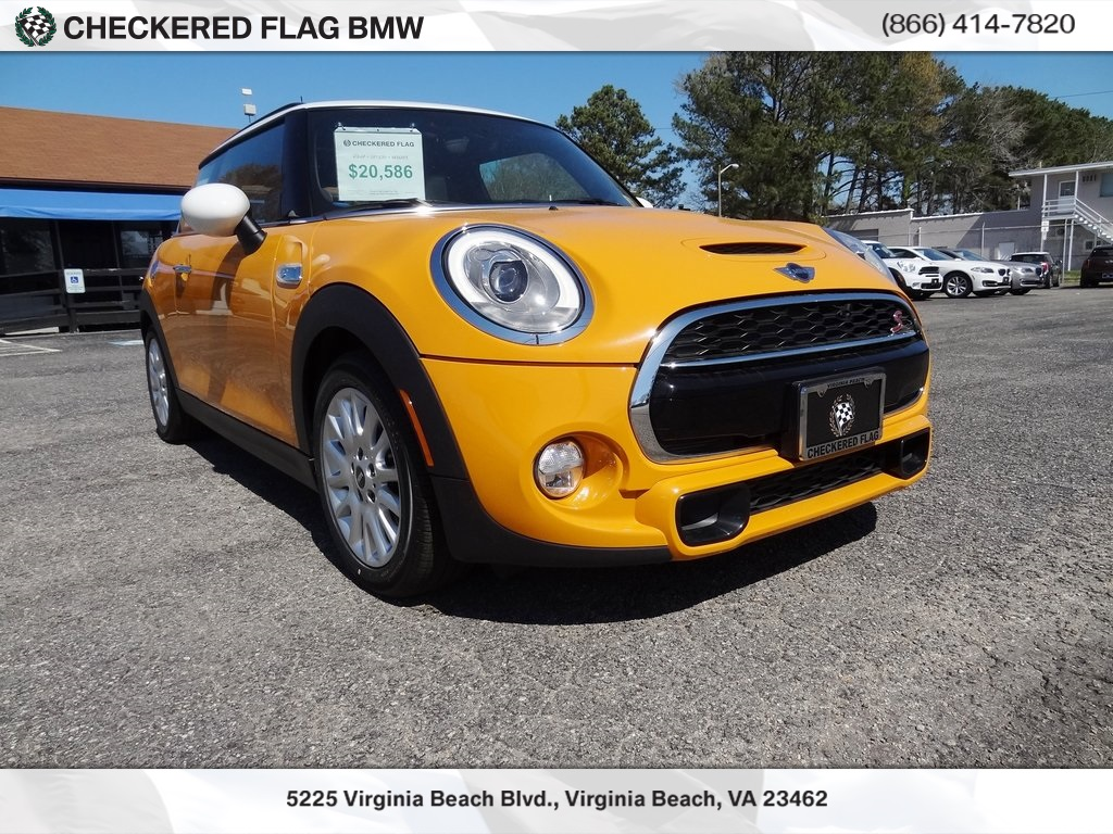 Pre Owned 2017 Mini Cooper S Base